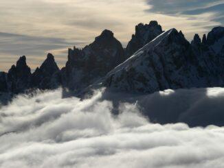 Dolomiti: Mulaz m.3006 e le Cime Focobon m.3054 ©Foto Mario Vidor