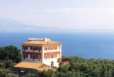 Veduta dell'esterno di Villa Parisi, Sorrento