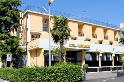 Hotel Gardesana a Riva del Garda, l'ingresso