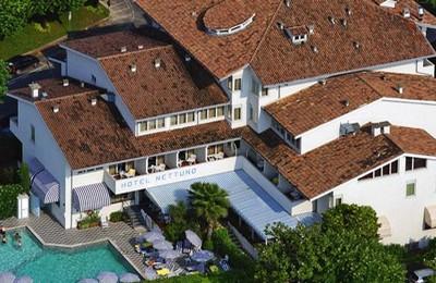 Hotel Nettuno a Bardolino, veduta dall'alto