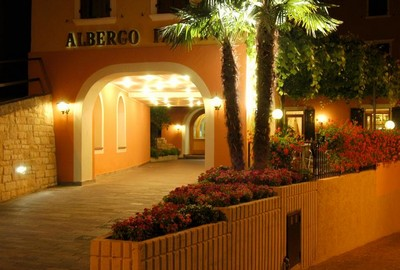 Hotel Pace a Arco, l'ingresso