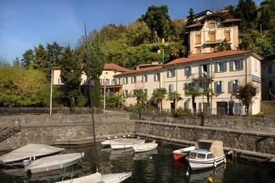 Hotel Camin Colmegna a Luino, visuale esterna sul Lago Maggiore
