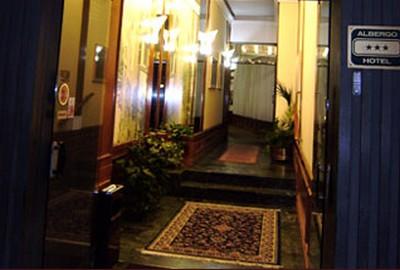 Hotel Italia a Mantova, l'ingresso