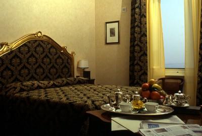 Hotel Vittoria a Pesaro, una delle eleganti camere