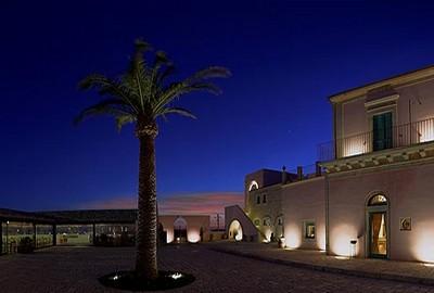 Poggio del Sole Resort a Ragusa, parte della struttura dall'esterno