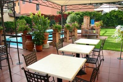 Albergo del Chianti, giardino e piscina