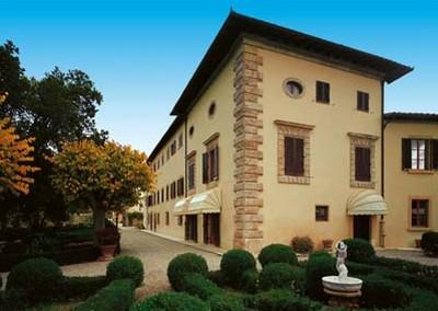 Hotel Villa San Lucchese di Poggibonsi, l'esterno