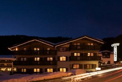 Hotel Villaggio Nevada, visuale esterna in inverno