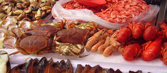 Viaggi di gusto in Toscana: il mercato del pesce di Viareggio