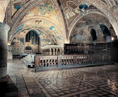 Basilica di San Francesco di Assisi, l'altare inferiore