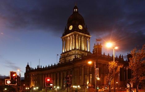Leeds, Town Hall di notte