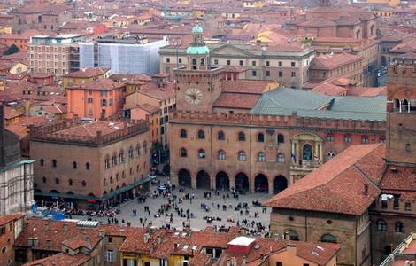 Bologna, Piazza Maggiore ©foto Gaspa/Wikipedia