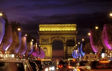 Voli low cost Parigi: un sublime soggiorno tra champagne e macarons ...