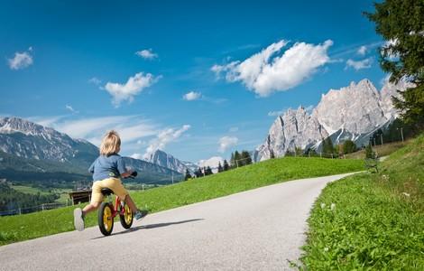 Bimbi in vacanza a Cortina ©foto giuseppeghedina.com
