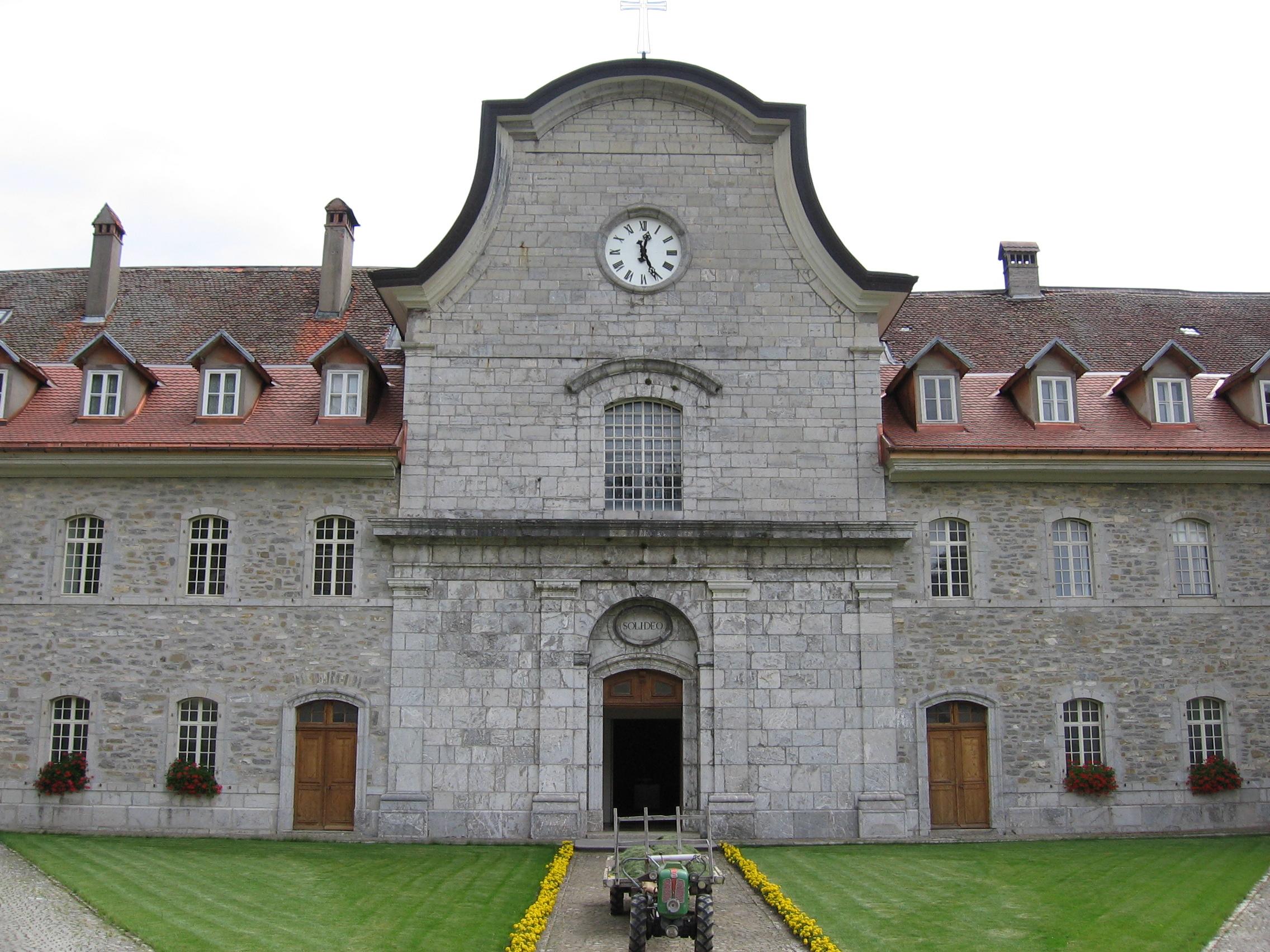 Facciata della Certosa di Valsainte, Svizzera
