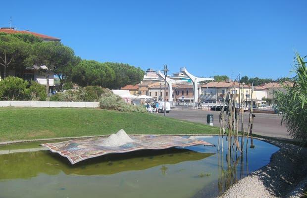 Fontana del Tappeto Cervia, Tonino Guerra