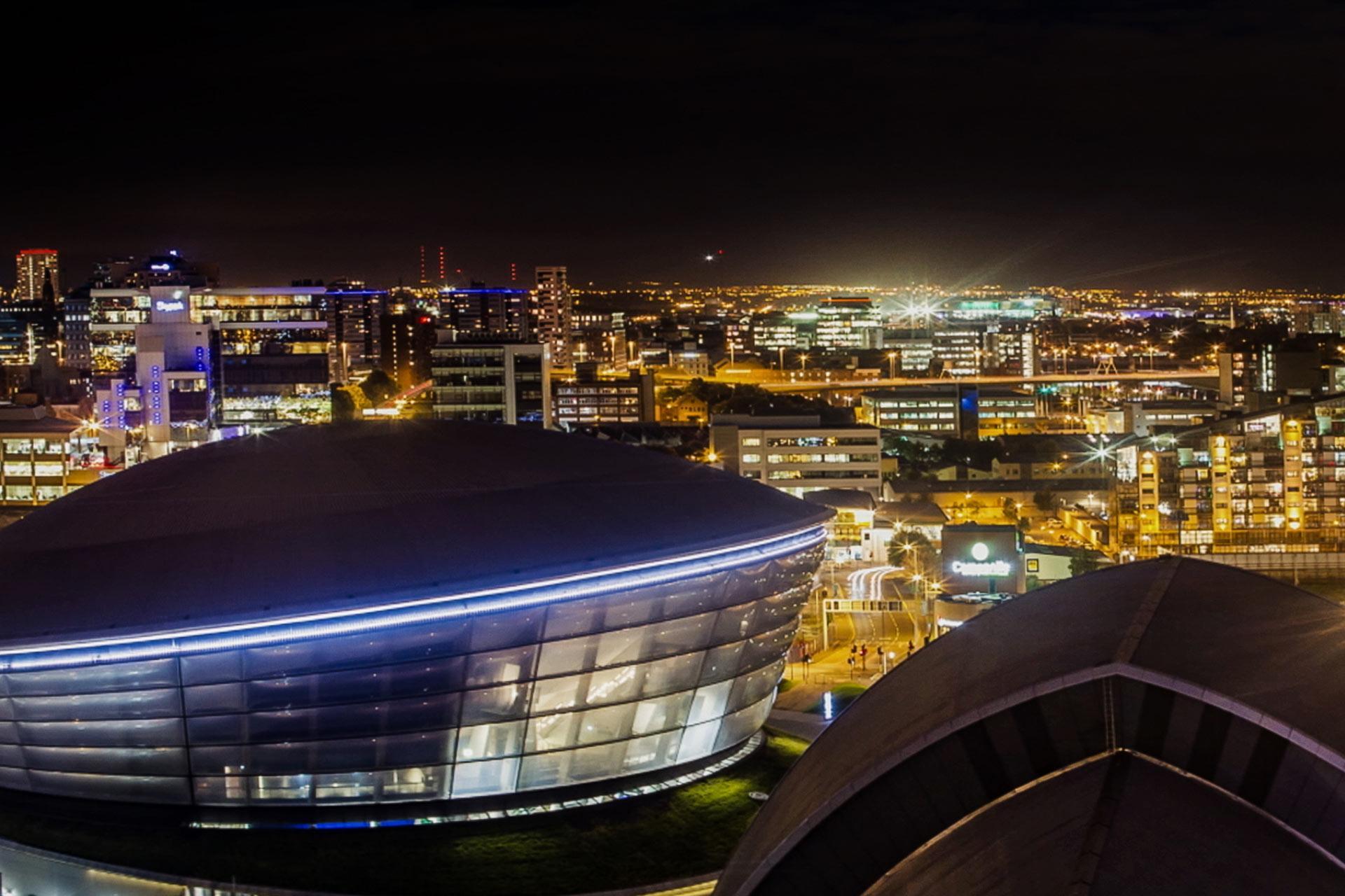 Glasgow, veduta notturna della città scozzese