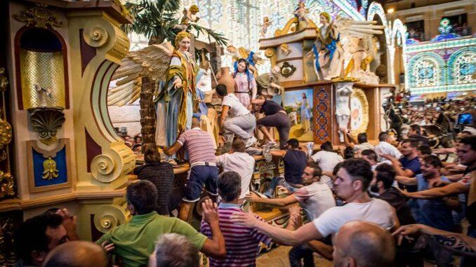 Strazzo del Carro di Matera durante la Festa della Bruna - Foto casadellartistamatera.it