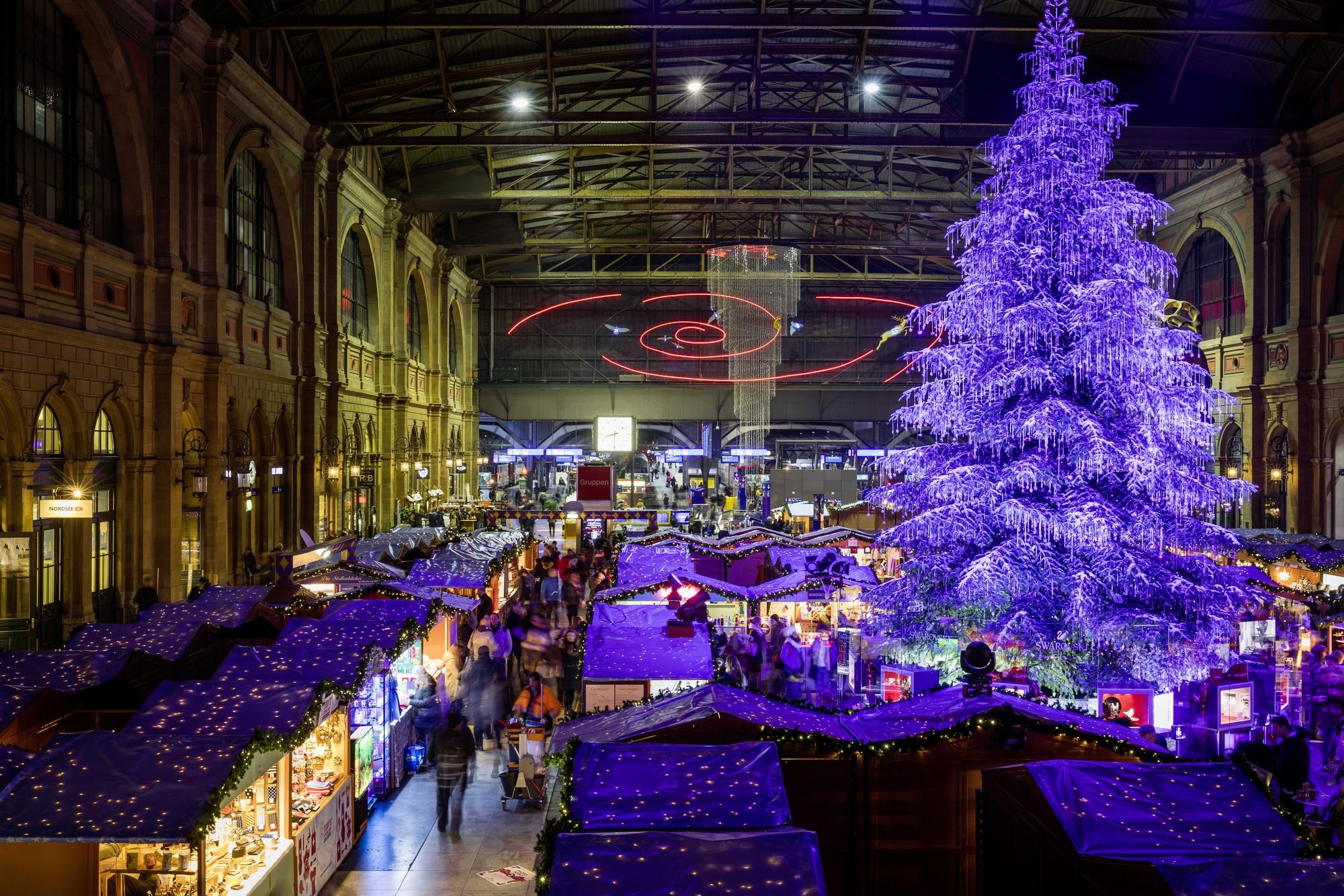 Zurigo cosa vedere: mercatini di Natale a Zurigo - STS Swiss Travel System, Bahnhof Zuerich und Bahnhof Luzern, Weihnachtsmarkt