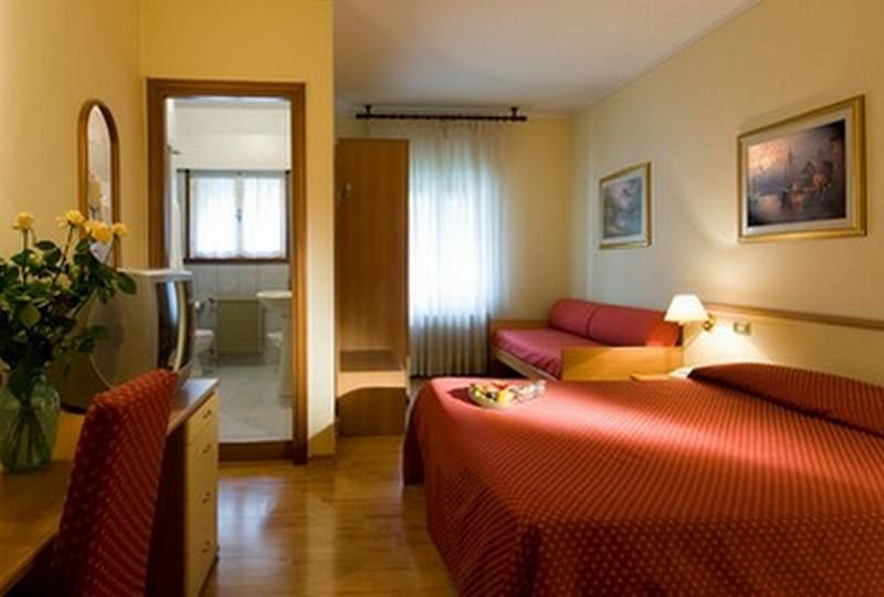 hotel montereale pordenone