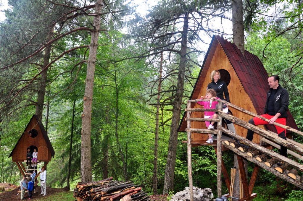 Case sull'albero del Tree Village a Claut, Friuli Venezia Giulia