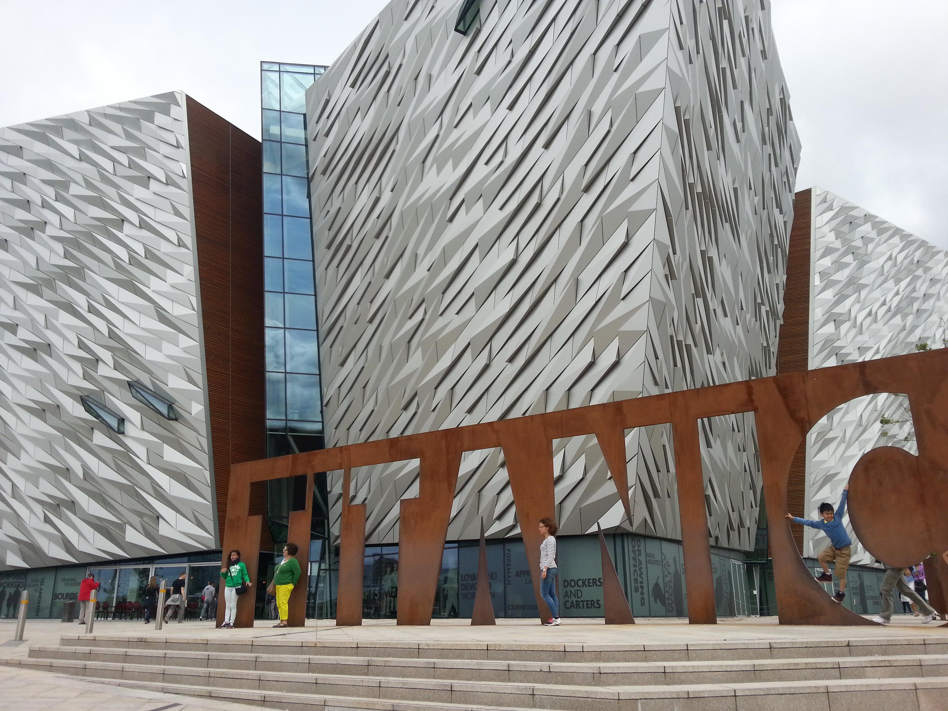 "Museo ""Titanic Belfast Experience"""