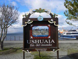 """Ushuaia e il cartello """"fine del mondo"""""""