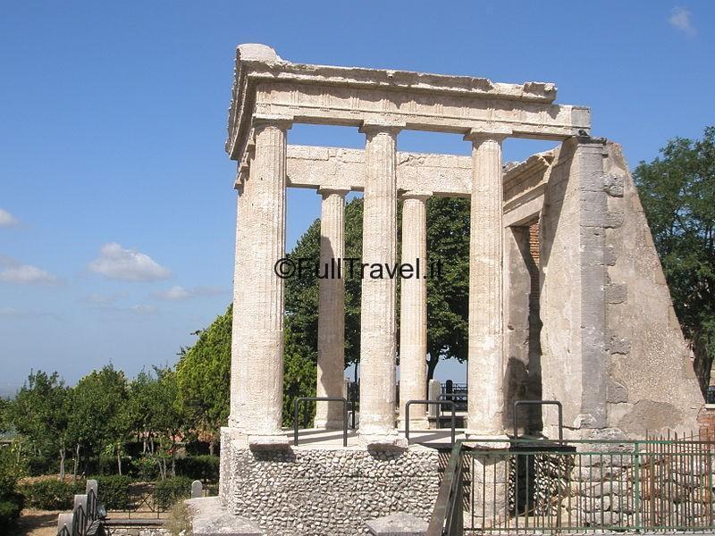 Tempio di Ercole, Cori