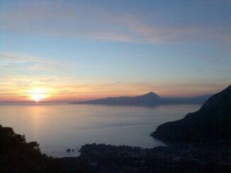 Un meraviglioso tramonto sulle acque di Maratea