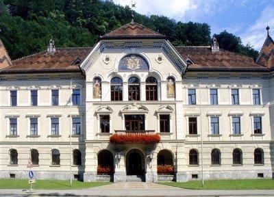 Il municipio di Vaduz, capitale del Liechtenstein © Foto: Massimo Vicinanza