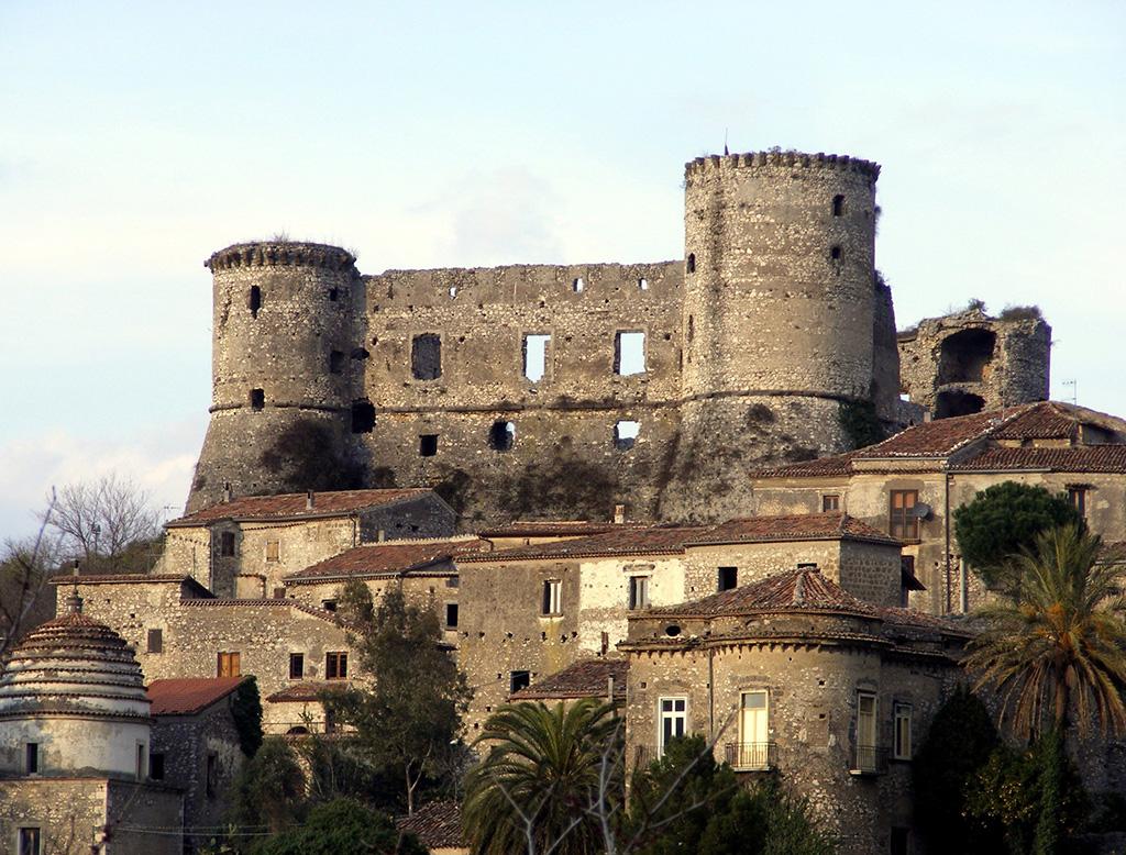 Castello di Vairano Patenora