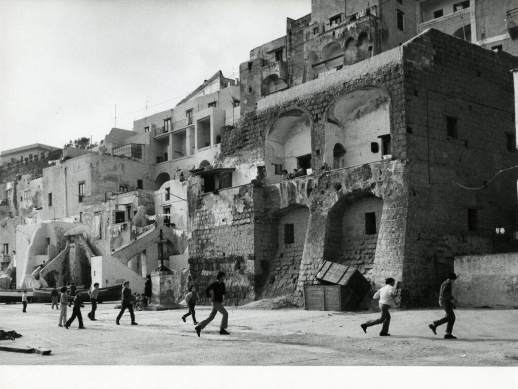 Procida nel 1972 - Foto di Paolo Monti
