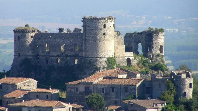 Castello di Vairano Pantenora