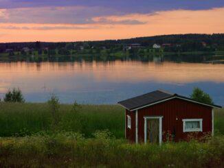 Cottage sul lago in Finlandia © VisitFinland.com