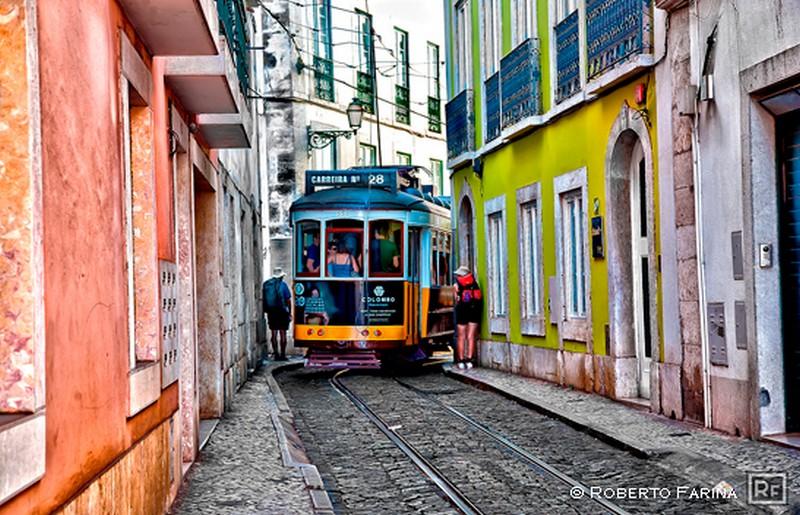 Lisbona cosa vedere: il tram 28 - ph Roberto Farina per Evolution Travel