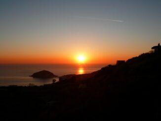 Ischia, tramonto su Sant'Angelo