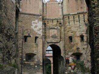 Cagliari, porta San Francesco nel quartiere Castello ©Foto Anna Bruno