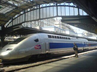 Treno TGV nella Stazione Gare de l'Est di Parigi - ph denisparis via Wikipedia