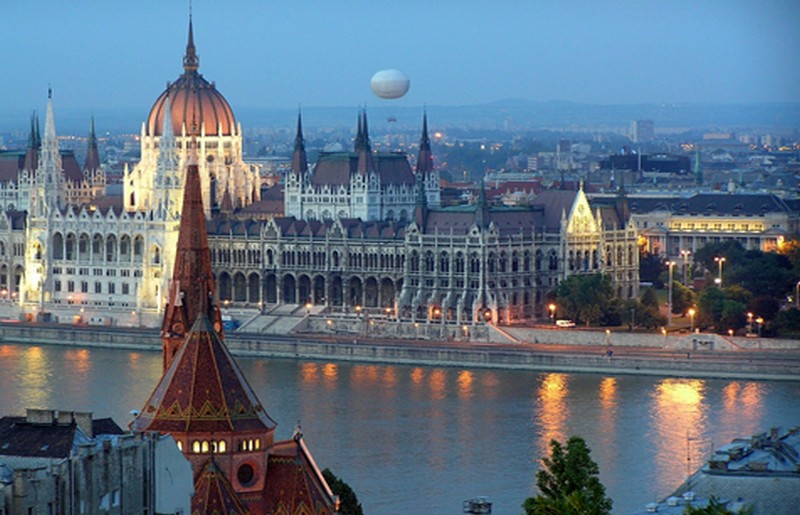 Budapest ph Evolution Travel