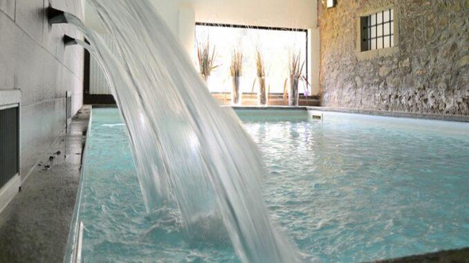 Antico Casale di Montegualandro e Spa di Tuoro sul Trasimeno, la piscina