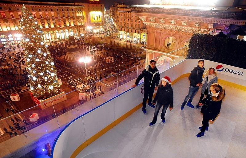 Pista di pattinaggio sui tetti della Galleria Vittorio Emanuele II - ph pagina ufficiale FB