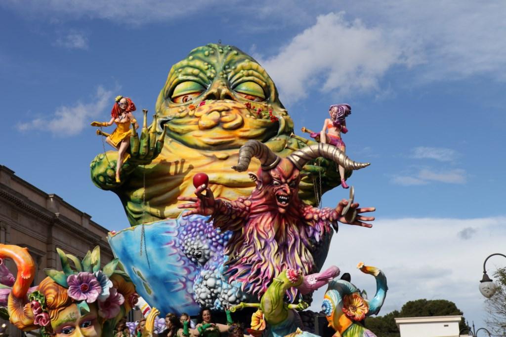 Carri allegorichi al Carnevale di Putignano