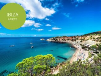 Ibiza, meta per gli Ariete - ph SkyScanner.it