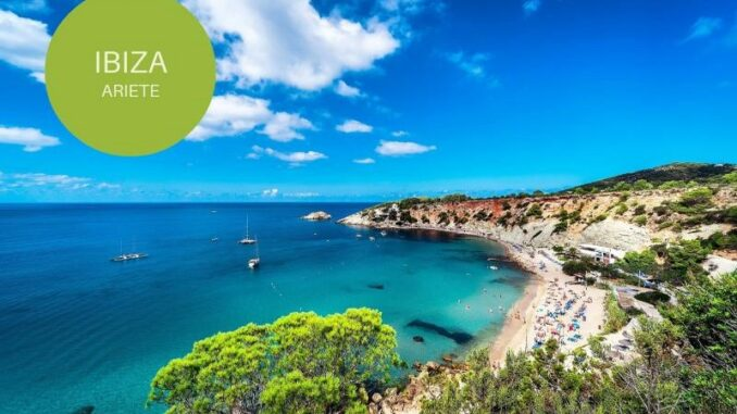 Ibiza, meta per gli Ariete - ph SkyScanner.it