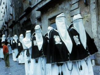 Processione dell'Addolorata, Taranto ©Puglia Turismo