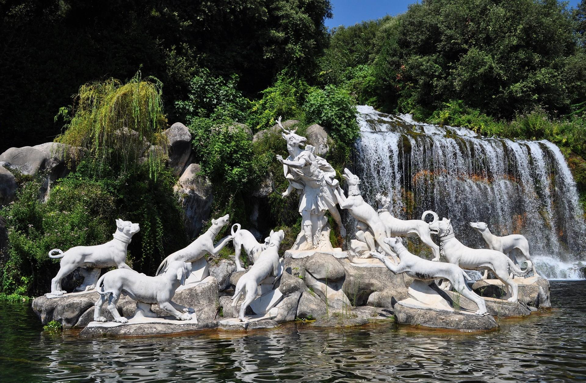 Fontane e cascate nei giardini del Parco Reale della Reggia di Caserta