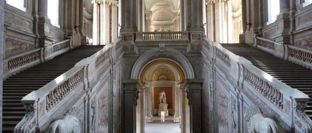 Scalone della Reggia di Caserta - Foto di tirex22