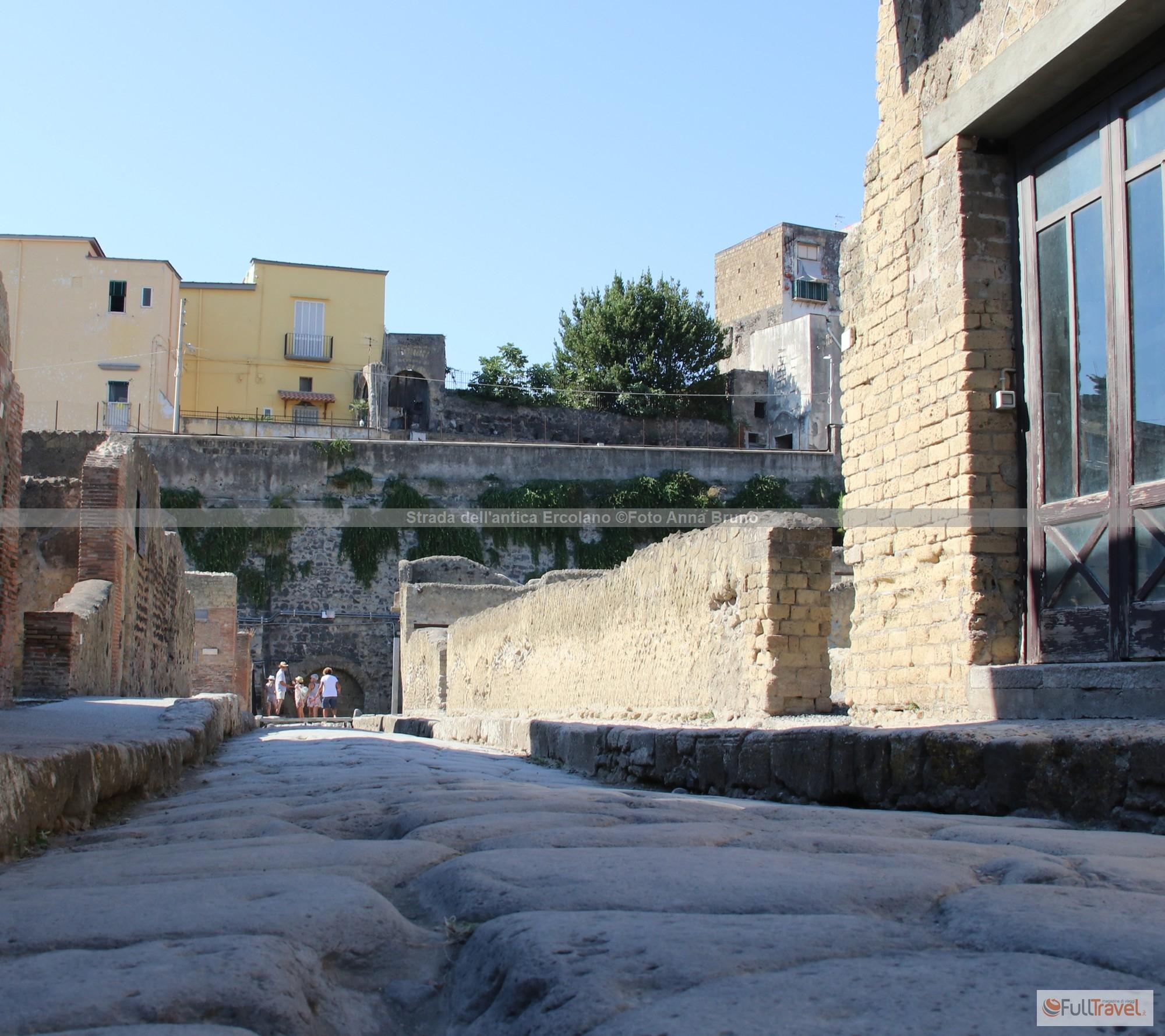 Strada dell'antica Ercolano ©Foto Anna Bruno