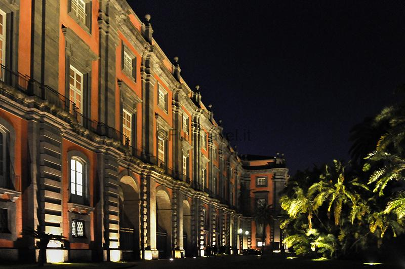 Reggia di Capodimonte a Napoli, notturno ©Foto Massimo Vicinanza