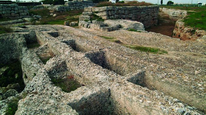 """Mostra archeologica """"Storie di Messapi: Manduria, oltre le mura"""", Manduria"""